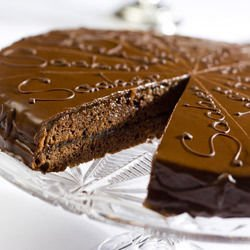Sacher Cake with Almonds
