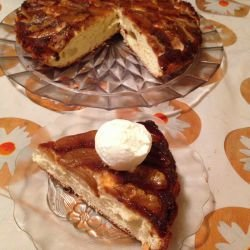 Caramelized Cake with Apples