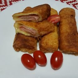 Rolls of Fried Toast with Cheese and Ham