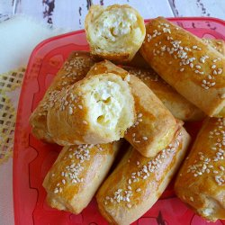 Crackers with Yoghurt and Feta