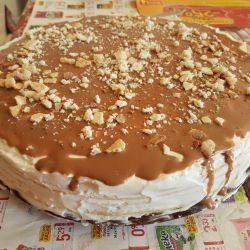 Cake with Cream Cheese and Chocolate