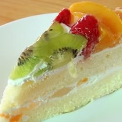 Cake with Peaches and Cream