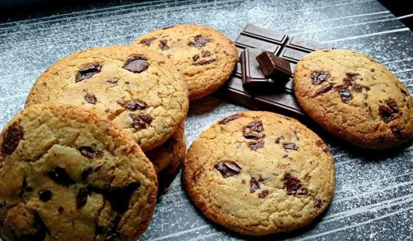 Biscuits with Chocolate Pieces