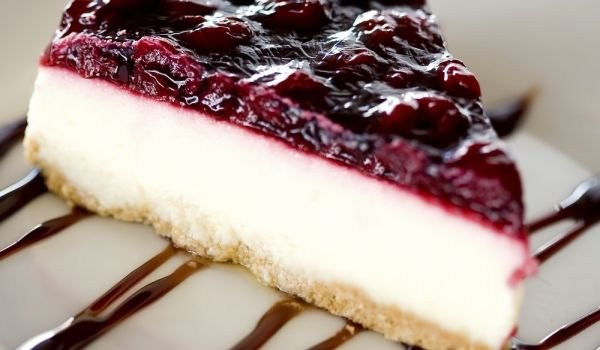 Cheesecake with Mascarpone - tastycraze.com