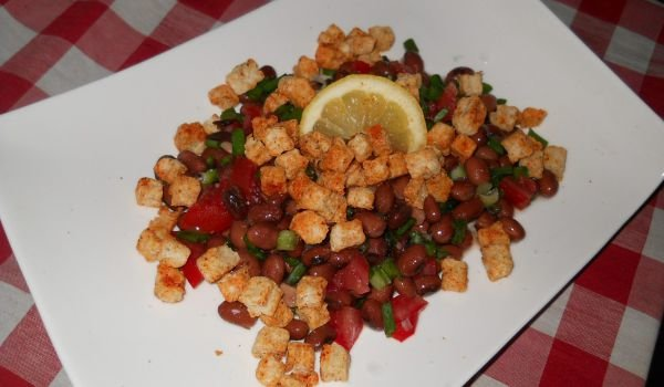 Bean Salad with Croutons