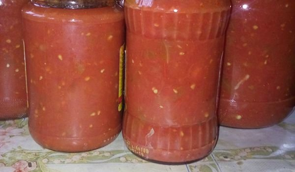 Peppers with Tomato Sauce and Garlic in Jars
