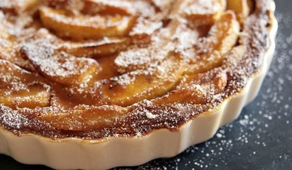 Apple Cake with Semolina and Honey