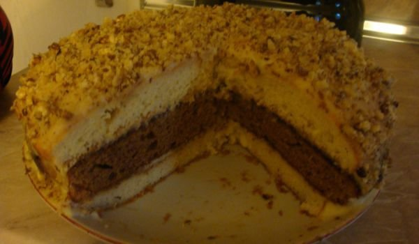 Triple Layer Cake with Homemade Cream