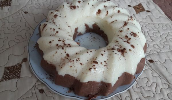 Two-Color Cake without Baking