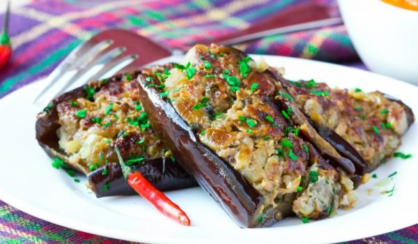 Eggplants with Chickpeas and Lime