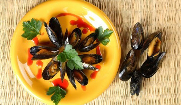 Mussels with shells