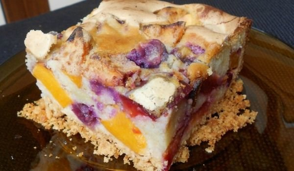 Cake with Summer Fruits