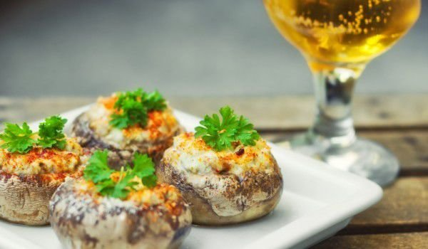 Mushrooms with Cheese and Bacon in the Oven