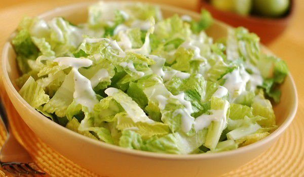 Salad with Spinach and Lettuce