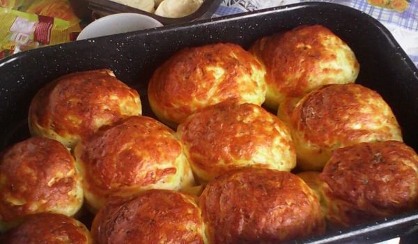 Fluffy Homemade Cheese Buns