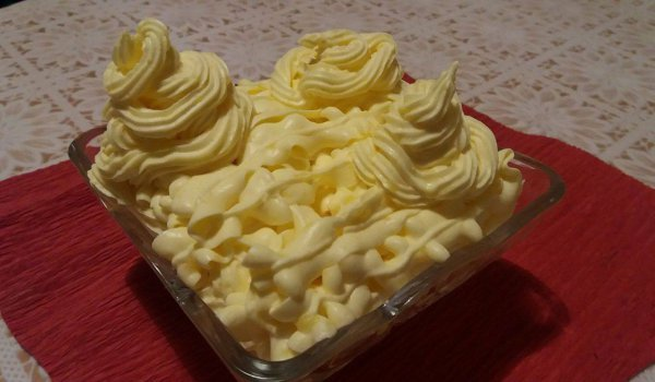 Chantilly Cream for Cakes