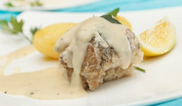 Creamy Sauce with Processed Cheese for Steaks