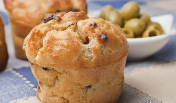 Muffins with Cottage Cheese and Olives