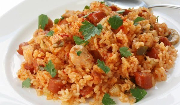 Tomatoes with Rice and Chicken in the Oven
