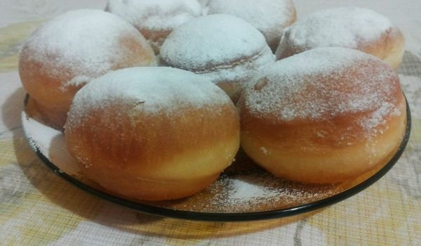 Puffy Donuts with Cream