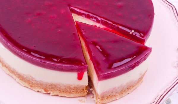 Cheesecake with Raspberries and Rum