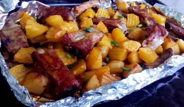 Pork Ribs with Potatoes in Foil