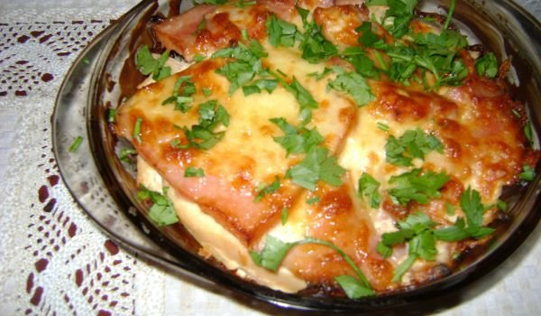 Layered Casserole with Chicken and Bacon
