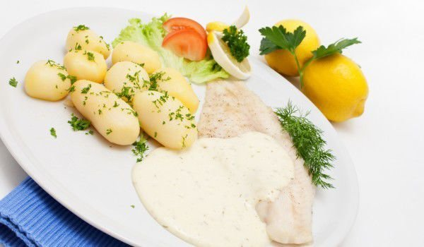 Hake Fillet with Cream Sauce