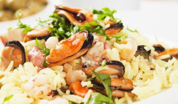 Rice with Frozen Clams in the Oven