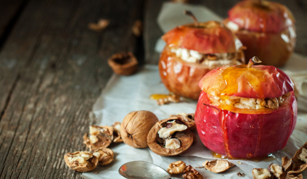 Baked red apples
