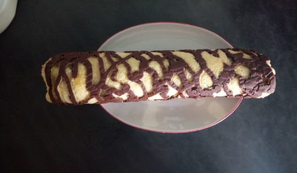 Roll with Chocolate and Banana