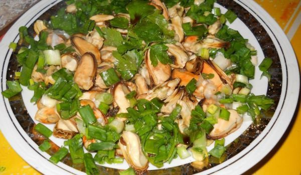 Mussel Salad with Lemon and Parsley