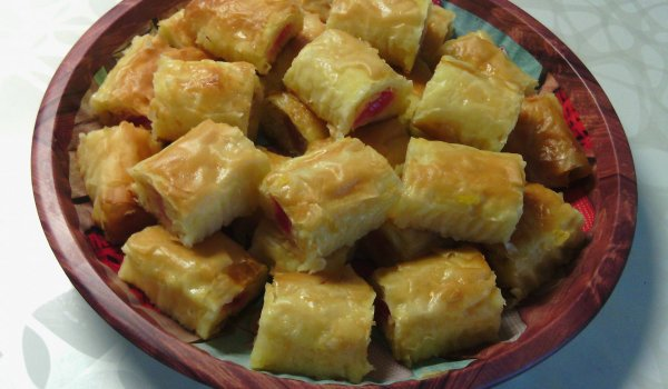 Syrupy Baklava Bites with Turkish Delight