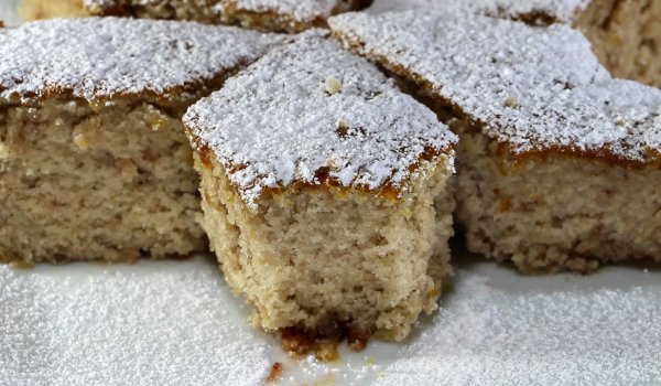 Easy Cake with Jam