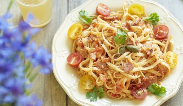 Spaghetti with Ham and Cherry Tomatoes