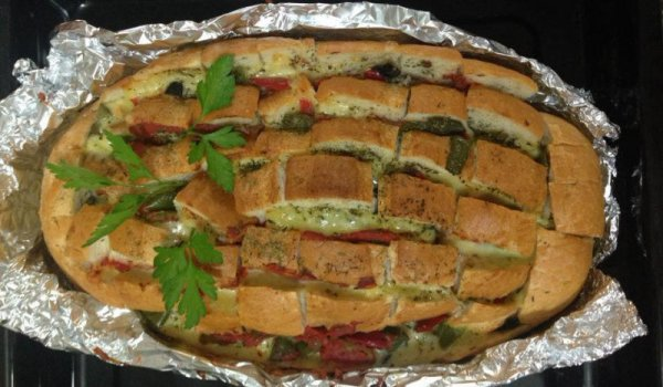 Stuffed Bacon, Cheese and Pickle Bread