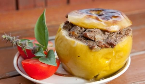 Stuffed Apples with Smoked Fish