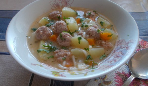 Meatball Soup with Vermicelli and Thickening Agent