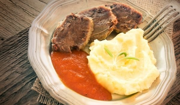 Fried Beef Tongue with Tomato Sauce