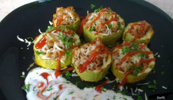 Stuffed Zucchini with Mince and Cheese in the Oven