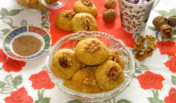 Lean Pumpkin Cookies with Walnuts and Cinnamon