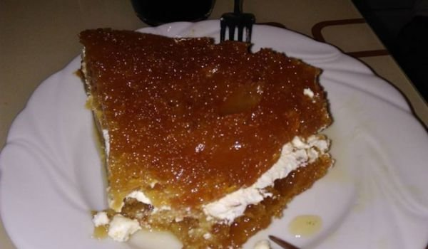 Caramel Cake with Cream