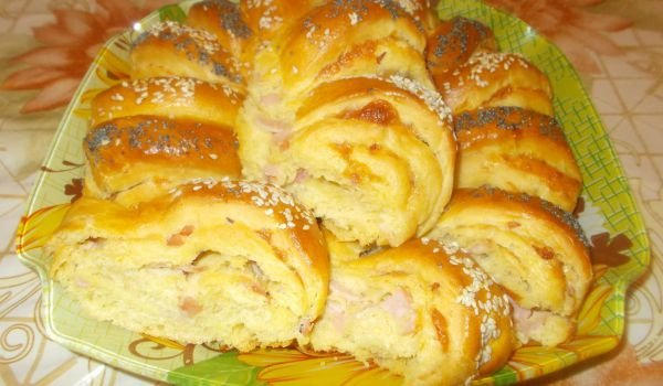 Rolled Tutmanik with Ham and Cheese