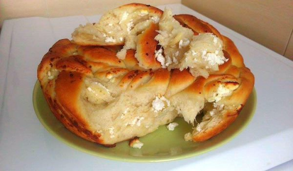Twisted Tutmanik with Feta Cheese and Butter