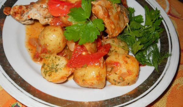 Sauteed Pork Ribs with Tomatoes and Potatoes