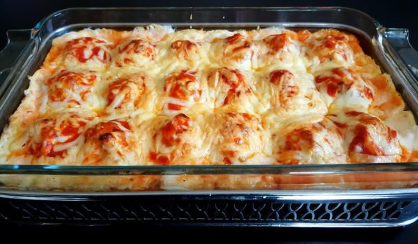 Casserole with Eggs, Mince and Bechamel Sauce