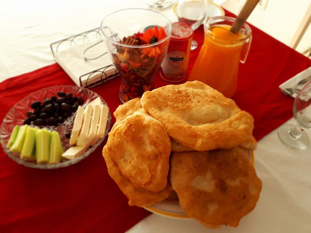 Quick Fritters with Yeast