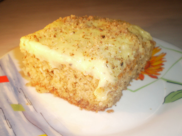Juicy Cake with Walnuts and Cream